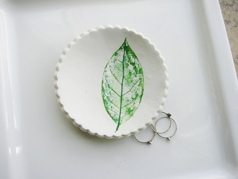 Clay Dish Jewelry Dish Nature Dish Clay Ring Dish Art Bowl Botanical Ring Dish Ring Holder Green Leaf Ring Dish