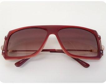 55896ab5ac Vintage 1990s Brand New Deadstock Dark Tan TV Frame Sunglasses
