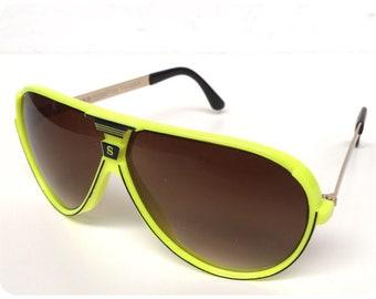061784cfe7 Vintage 80s 90s Brand New Deadstock Big Neon Yellow Sport Aviator Sunglasses