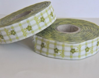 CLEARANCE SALE  50 discount   Jacquard Ribbon Trim with Green Daisy Flowers