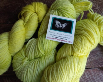 Construction green wool yarn