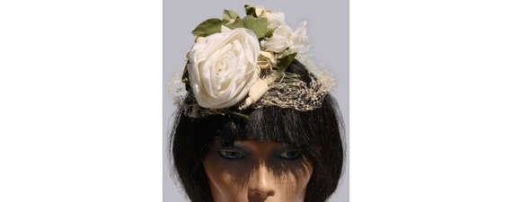 Vintage 1960s Fascinator Hat - White Rose