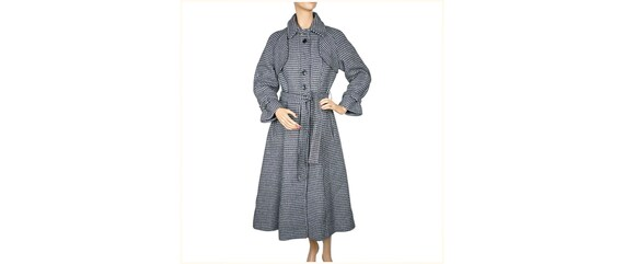 Vintage 1970s Tweed Wool Houndstooth Coat Princess