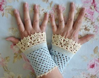CHARLOTTE, Crochet wristlet pattern, pdf