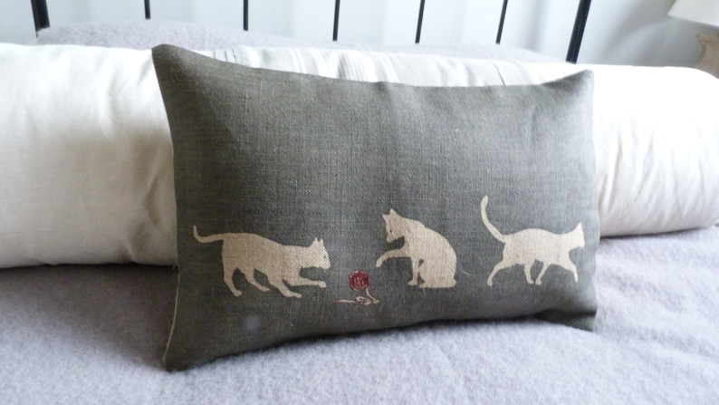 hand printed  charcoal triple cat cushion cover