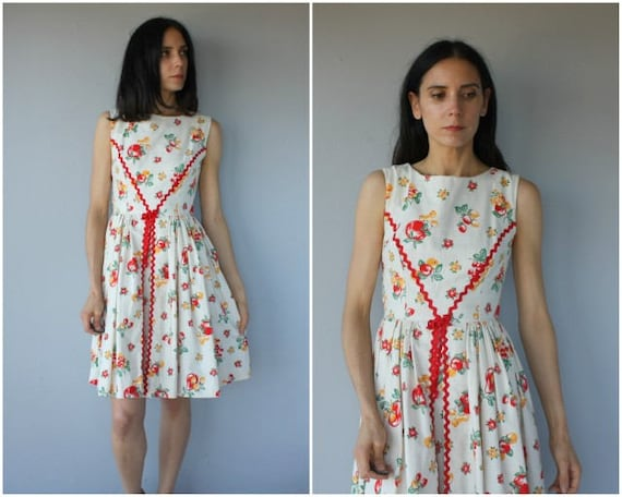 Vintage 50s Novelty Print Dress • 50s Day Dress •