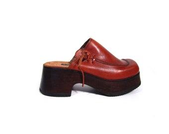 Vintage 90s CANDIES Whiskey Brown Leather Platform Clogs women 6 6.5 wooden heel retro hippie hipster minimalist hip hop high heel Brazil