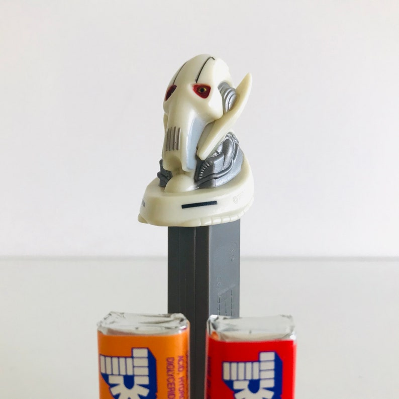 Cyborg Droid Sith Lord Bad Guy Attack of the Clones Starwars Gifts Star Wars General Grievous PEZ Dispenser with Candy