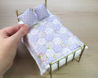 Dollhouse Miniature Single Patchwork Quilt in 12th Scale - Lilac Hexagons