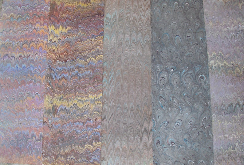 5  Italy   hand  marbled paper carta marmorizzata  cm 50 X image 1