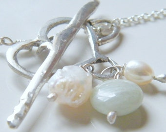 30% OFF - Front-closing 925 Silver Heart Necklace w. Pearls & Aquamarine