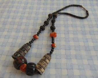 """Stunning tribal looking necklace large beads shades of cream and brown 23"""" long"""