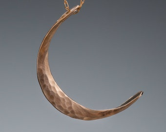 M Gold Moon Necklace // Simple Gold Necklace // Moon Goddess Solid Gold Necklace // Hammered Gold Necklace // 14k Gold Crescent Moon Pendant