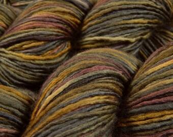 Hand Dyed Yarn, DK Weight Superwash Merino Wool Singles Yarn - Agate - Single Ply Knitting Yarn, Earthy Brown Grey Wool Yarn, DIY Gift