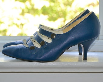 79cac79f53a Vintage 80s Heels - Triple Threat - Blue Leather Shoes - Three Straps w   Snaps - Retro Bride - 80s Does 60s - Pop Punk New Wave - size 6.5 7