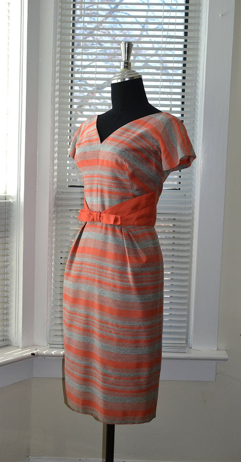 Retro Wiggle Fit Mid Century Style xss SpringSummer Vintage 60s Dress Coral /& Grey Stripes