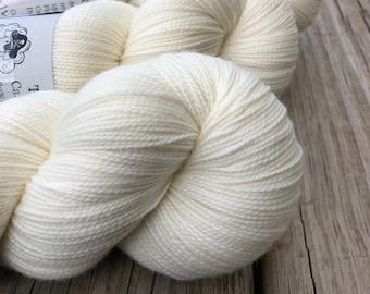 Cashmere Super Toes Sock Yarn   White Sand Beaches   cream natural ecru