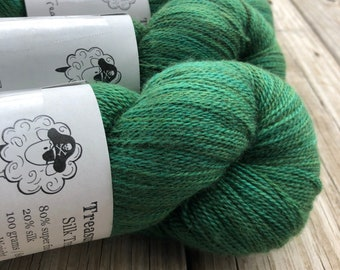 Treasure of the Emerald Isle | Silk Treasures Lace Yarn | emerald green | 875 yards