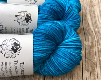 turquoise teal Hand Dyed Worsted Weight Yarn, Mermaid's Curse, Treasured Warmth