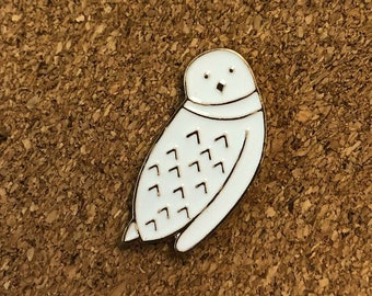 white snowy owl enamel pin, hedwig pin, harry potter pin, gift for knitters crocheters