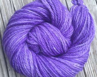 Hand Dyed Bulky Yarn Avast ye Wildcats purple yarn 100% superwash merino wool 106 yards lavender bulky weight yarn lilac EMAW KSU k state