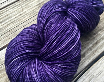 hand dyed sock weight yarn The King's Cloak Shawl Length Super Skein Superwash Merino Cashmere MCN 600 yard fingering weight royal purple