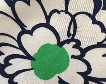 Woven Damask//Vintage 60s //Large Hibiscus & Chrysanthemums POP//Kelly Green and Midnight Blue Flowers On White Ground//Allover//All Cotton