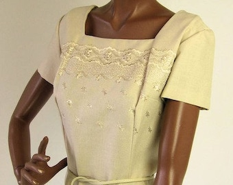 Embroidered Sheath Dress 50s Vintage Beige Neutral Large to Extra Large