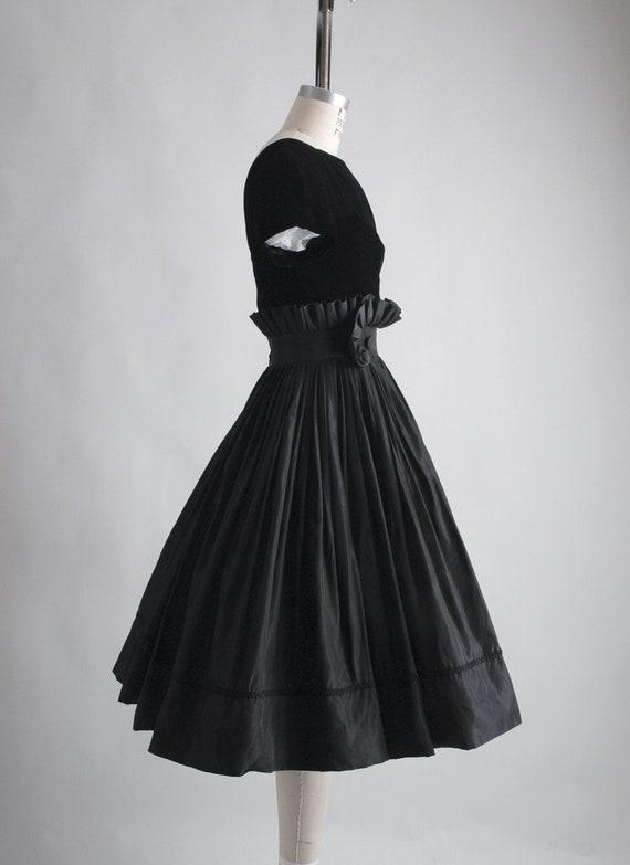 1950s Gigi Young black velvet + taffeta ruffle dr… - image 7