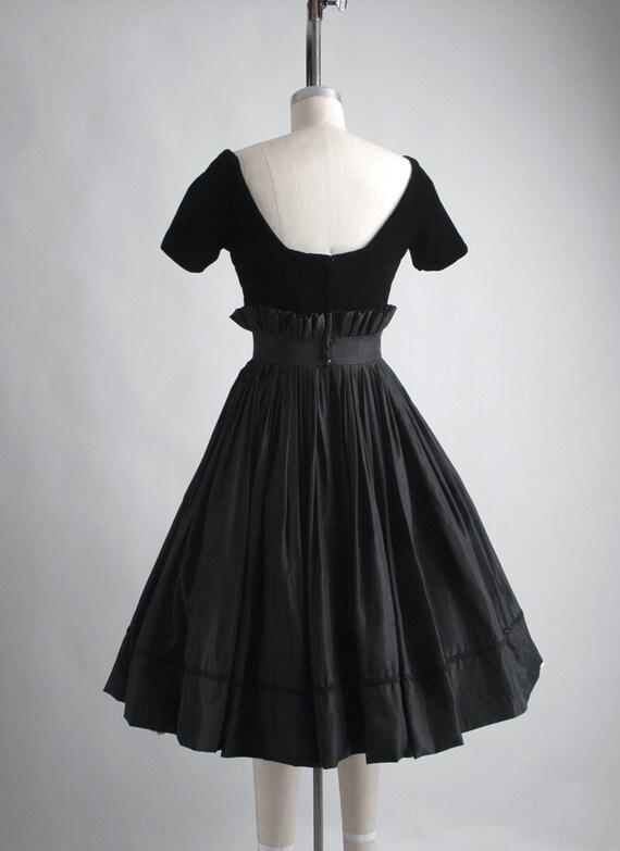 1950s Gigi Young black velvet + taffeta ruffle dr… - image 8