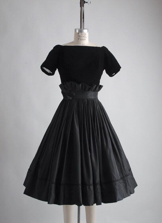 1950s Gigi Young black velvet + taffeta ruffle dr… - image 4