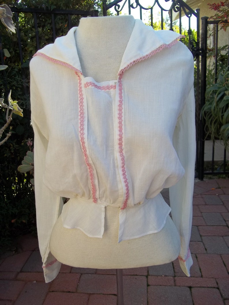 Antique early 1900 Blouse Victorian era  pink Tatted Trim Edwardian size XS  S 30-34 inch Sailor Collar