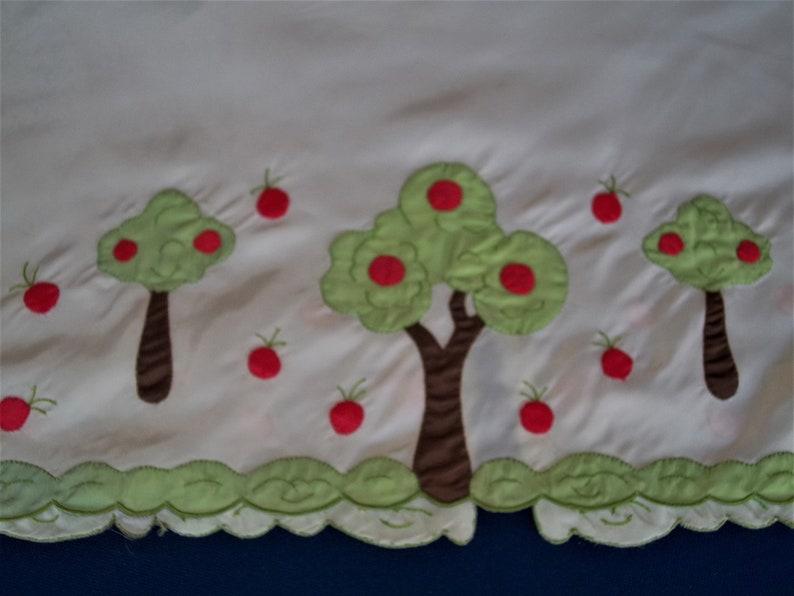 Vintage 60/'s Odette Barsa Tree with Fruit Apples hand applique half Slip Border detail Slinky pull on