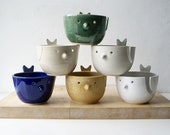 Choose your colour - The little wren bird pottery yarn bowl