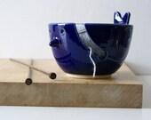 DISPATCHING ASAP - The little wren bird pottery yarn bowl in ocean blue