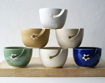 Choose your colour - Stoneware pottery yarn bowl with little star hook