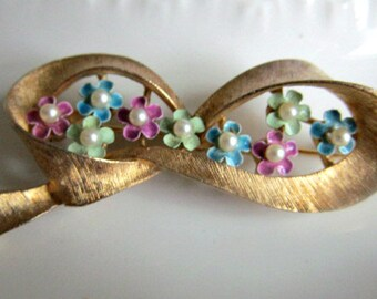 Sweet, Sweet Flower Bow Pin-Don't Forget Mother's Day!