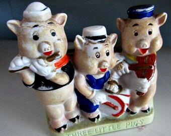 RARE, Three Little Pigs Toothbrush Holder-Disney, Made in Japan