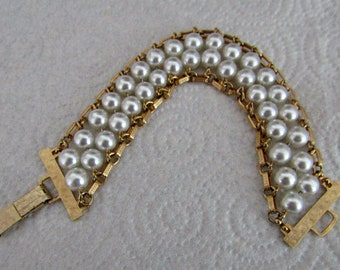 Vintage Fabulous Sarah Coventry Pearl And Chain Bracelet