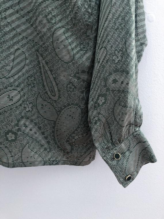 Vintage 70s Burberry Green Paisley Silk Blouse Me… - image 10