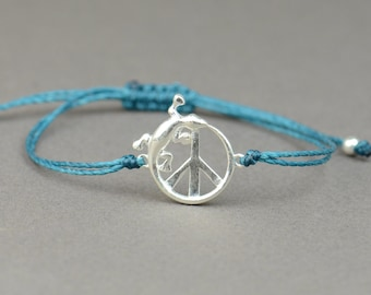 SALE-Sterling silver peace sign with little gecko bracelet