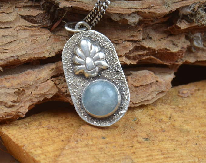 Aquamarine and sterling silver raw pendant. Artisan flower pendant nature.Unique.Sterling silver.Metalsmithing.One of a kind rustic pendant