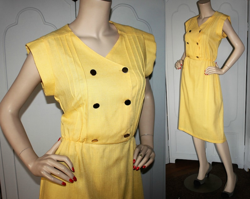 Lovely Vintage Yellow Summer Dress with Double Breasted Look. image 0