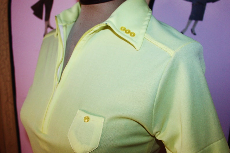 1970's Short Sleeve Fitted Polyester Top with Zip Front image 0