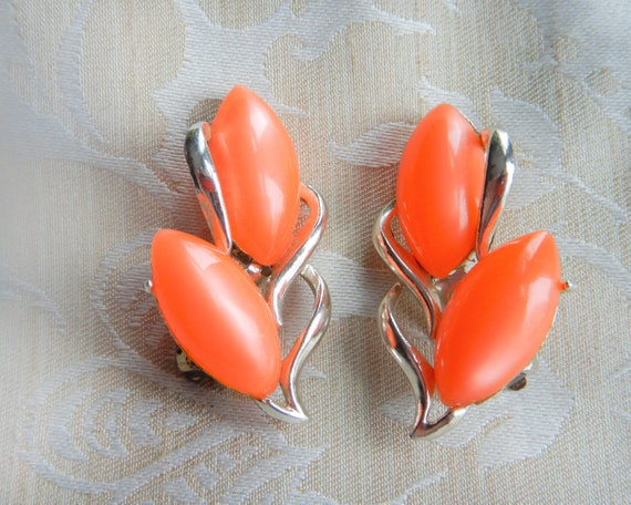 Vintage Orange Thermoset Silver Clip On Earrings
