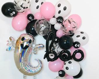 Pink Halloween Halloween Balloon Garland, Pink Halloween Balloons, Halloween Garlands, Pink Halloween, Pastel Halloween, Ghost Balloon, BOO