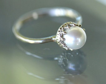 White Akoya Pearl 14K Gold Ring, Stacking Ring, Gemstone Ring, Engagement Ring, Crown Setting - Custom Made For You