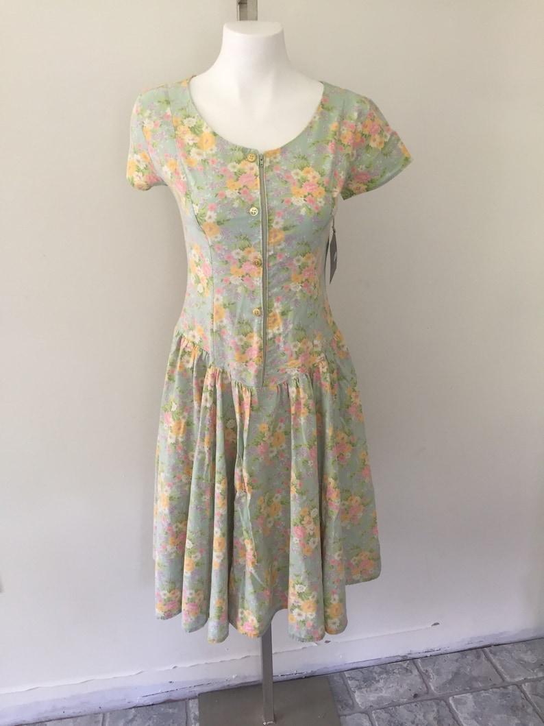 03f574f329f3 80s Dress Sundress Floral Short Sleeves Pastel Summer   Etsy