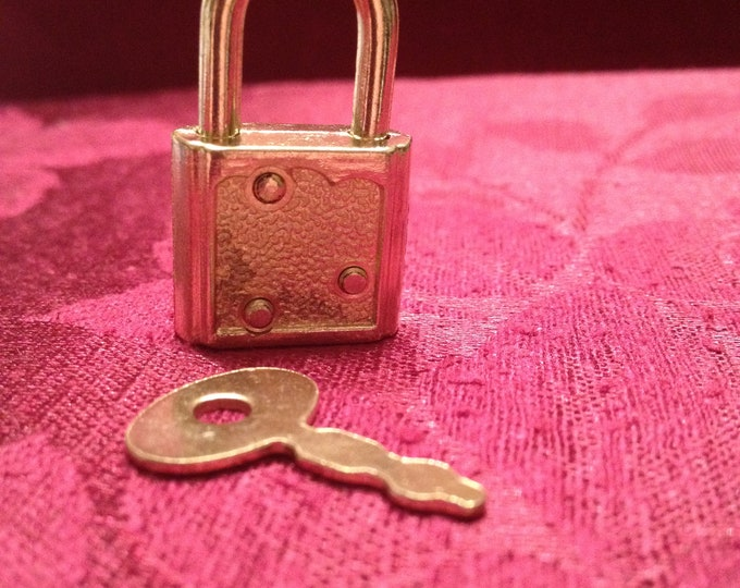 Light Weight Gold Colored  Working Padlock