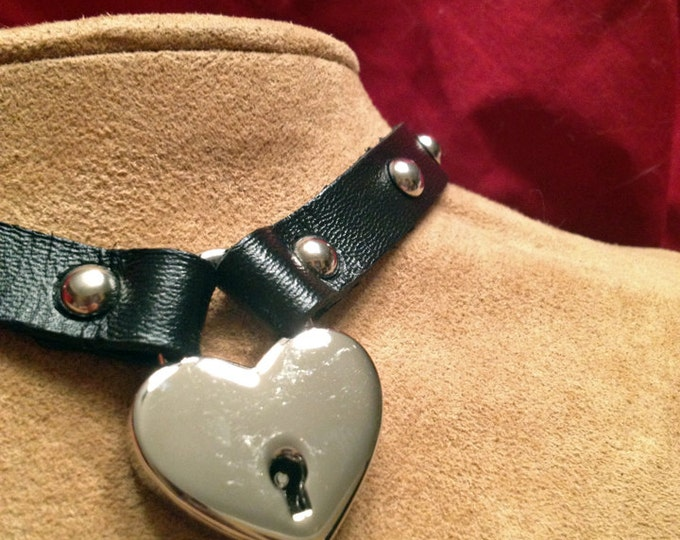 Heart  Lock Leather Choker